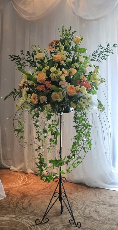 wedding reception flowers by moonstones florists fareham